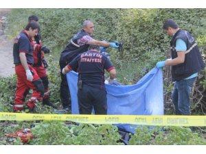 Devrilen ağacın altında kalan çocuk hayatını kaybetti