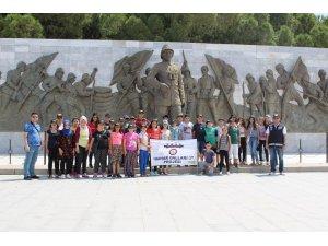 İzmirli öğrenciler Eskişehir ve Çanakkale'yi gezdi