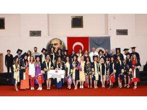MEÜ'de mezuniyet coşkusu devam ediyor