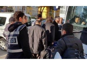 Uşak merkezli FETÖ operasyonunda 10 kişi tutuklandı