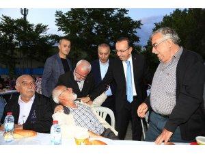 """Belediye Başkanı Seçen, """" Mahalle iftarlarıyla halkımızla daha da bütünleştik"""""""