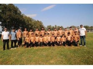 Aksulu güreşçiler Kırkpınar'a hazırlanıyor