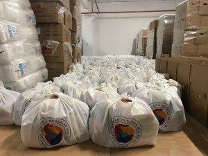 İhtiyaç sahibi ailelere gıda paketi dağıtıldı