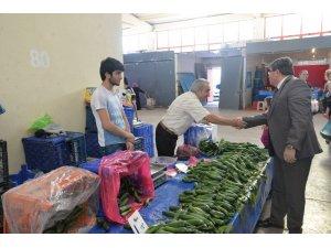Başkan Can'dan pazar esnafı ziyareti