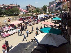 Muş'ta bayram pazarı kuruldu