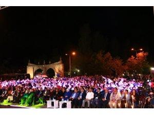 Berdan Mardini Bitlis'te konser verdi