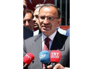 """Bekir Bozdağ: """"Sayın İnce dürüst bir siyasetçi gibi davranmalı Türkiye'den özür dilemelidir"""""""