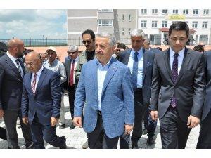 Selim Hayvan Pazarı'nın açılışını Bakan Ahmet Arslan yaptı