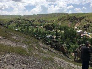AFAD ekipleri kaya düşmesine karşı önlem aldı