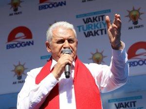 """Binali Yıldırım: """"CHP'nin iki tane genel başkanı var"""""""