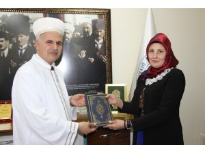 Kırgızistan uyruklu Natalıa Popova Müslüman oldu