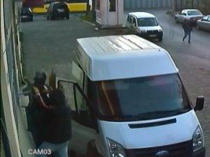 Bayrampaşa'da güpegündüz hırsızlık kamerada