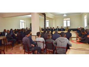 Vali Elban, Eleşkirt'te iftar programına katıldı