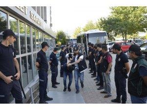 Denizli'de şafak operasyonunda gözaltına alınan 11 kişi adli adliyeye sevk edildi