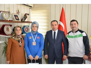 Başarılı sporcu Bilecik'e Türkiye 3'ncülüğü ile döndü