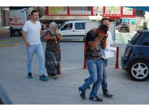 Dilenerek kazandıkları parayla kokain alıp satmak isterken yakalandılar