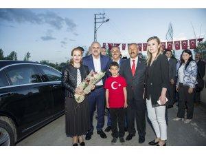 Vali Zorluoğlu, Kasımoğlu Mahallesi'nde iftar açtı