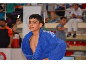 Büyükşehirin judocularından Manisa'ya 2 madalya