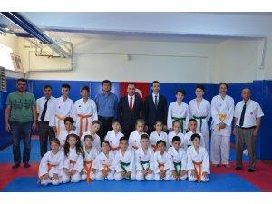 Karate kuşak terfi sınavı yapıldı