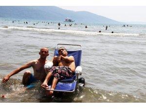 Muğlalı engelli vatandaş, 42 yıl sonra deniz gördü