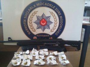 Uyuşturucu taciri 2 şahıs tutuklandı