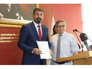Mersin Baro Başkanı Yeşilboğaz, mazbatasını aldı
