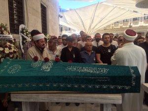 Magazin basınının duayen ismi Tahir Yaman son yolculuğuna uğurlandı
