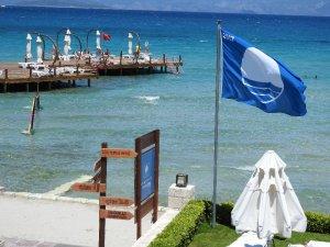 Çeşme'de mavi bayraklı plaj sayısı 12'ye çıktı