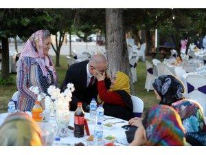Divapan'dan anlamlı iftar