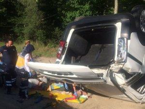 Bursa'da ticari araç şarampole yuvarlandı: 4 yaralı