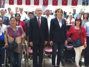 CHP Lideri Kılıçdaroğlu engellilerle bir araya geldi