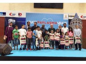 Beyoğlu'nda bayram öncesi 300 çocuğa bayramlık sürprizi