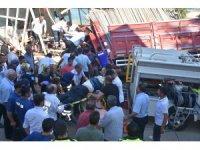 Freni patlayan kamyon mescide daldı: 3 ölü, 2 yaralı