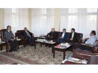 İran Başkonsolosu Hüseyin Kasımi'den Rektör Çomaklı'ya veda ziyareti