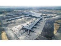 3. Havalimanı tarihi iniş öncesi havadan görüntülendi