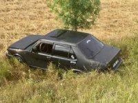 Sungurlu'da otomobil tarlaya uçtu: 2 yaralı
