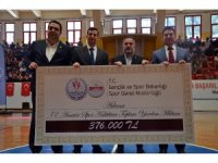 Adana'daki amatör spor kulüplerine 376 bin lira yardım