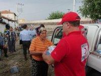Kızılay'dan sel mağdurlarına yardım