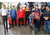 Yahyalı'da Yaz Spor Okulları törenle açıldı