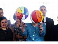 Merkel, Beyrut'ta Suriyeli çocuklarla