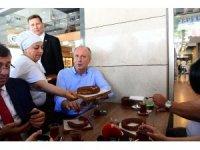 Cumhurbaşkanı adayı İnce, Ankara'da Salih Bezci Camii'nde cuma namazını kıldı
