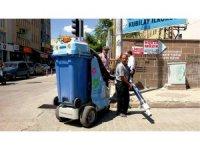 Robot filler Kahta caddelerini temizlemeye başladı