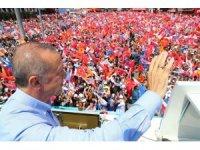 """Cumhurbaşkanı Erdoğan: """"HDP Güneydoğu'da partimizin il ve ilçe başkanlarını tehdide başladılar. Telefonla tehdit ediyorlar. Ulan terbiyesiz sıkıysa gel şehir merkezine"""""""