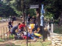 Kendini asan genci mezarlık bekçisinin dikkati kurtardı