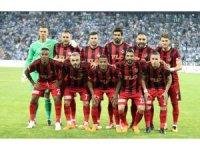 Gazişehir'de altı futbolcuyla daha yollar ayrıldı