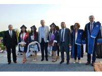 Biga İİBF'den 700 öğrenci mezun oldu