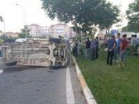 Besni'de 2 minibüs çarpıştı
