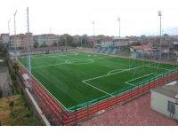 Kocaeli'de spor sahalarının zemini iyileştiriliyor