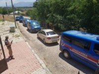 Elazığ'da telefon kablolarını çalan 3 şüpheli kıskıvrak yakalandı