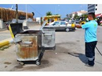 Sarımsaklı'da çöp konteynırlarına Balıkesir Büyükşehir Belediyesi'nden ilaçlama